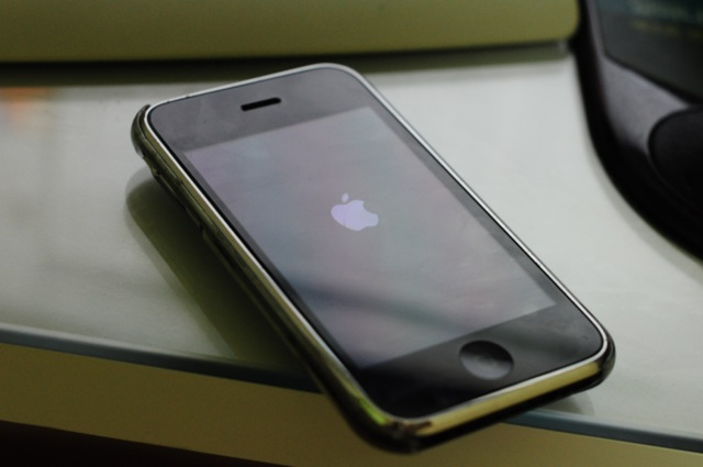 iOS 5b4… OTA이후 무한 재시작 중…